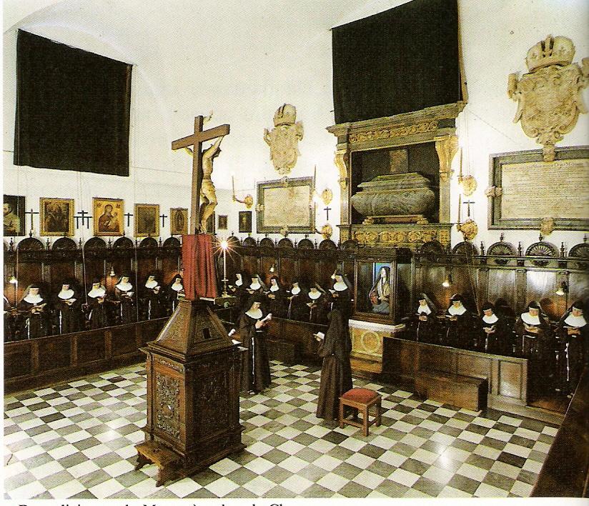 Coro del Convento de las Descalzas. En él se encuentran los sepulcros de María y su hija Margarita