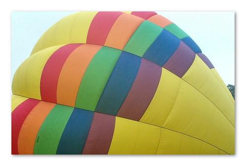 up colorful newhampshire liftoff hotairballoon ballooning pittsfield upandaway pittsfieldhotairballoonfestival