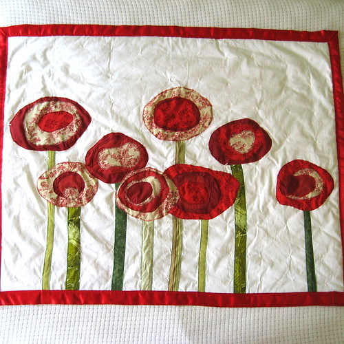 Poppy quilt for baby or toddler