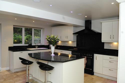 Beautiful kitchens photos kitchen design pictures for Pictures of beautiful kitchens