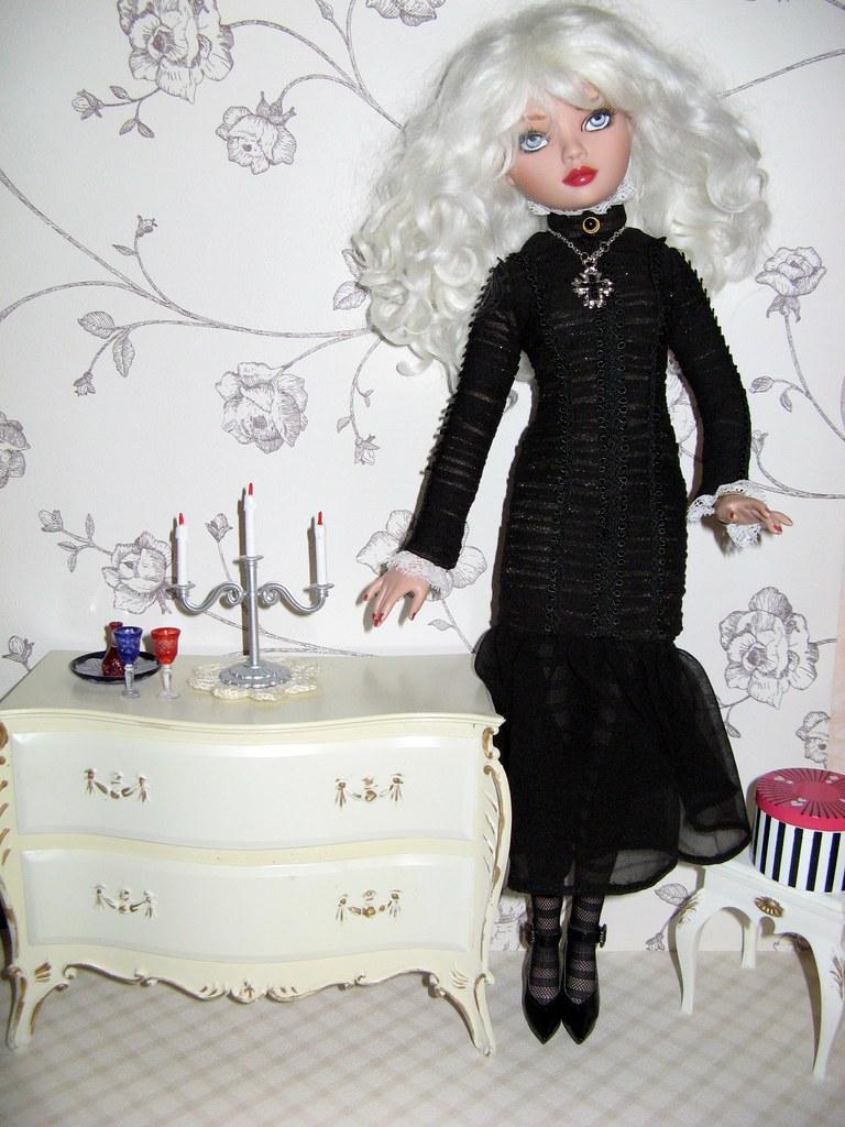 THEME DU MOIS DE NOVEMBRE 2013 : Ellowyne et sa petite robe noire - Page 2 2905385062_578a8e7169_b