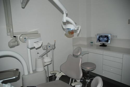 Implante dental asistido por ordenador
