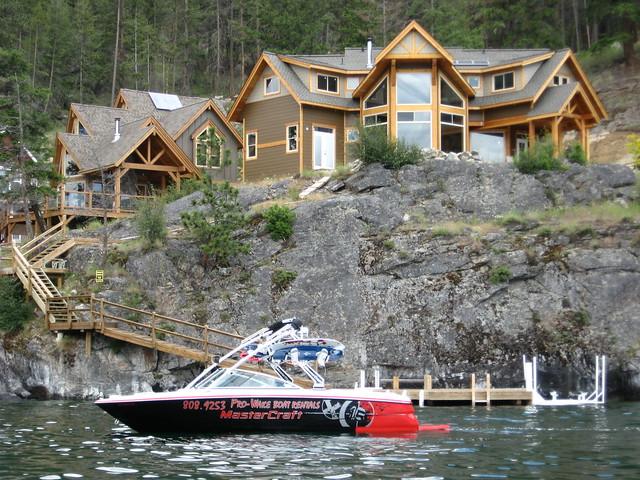 Kelowna Boat Rentals, Wakeboarding, Waterskiing in the Okanagan