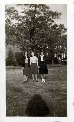 three girls on campus