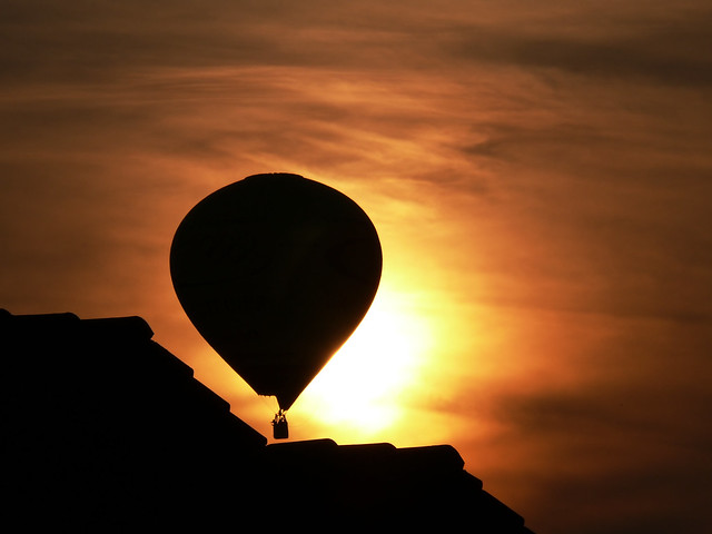 2750709838 50e5fc0d25 z [Pics] Flickr Spotlight #6   The Magic Of Hot Air Balloons