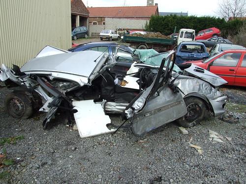 Photos de crash et accident de la route topic officiel for Garage renault vertus