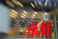 H&M har fått mye kritikk i det siste.