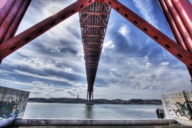 Ponte 25 de Abril.