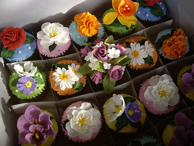 Amazon.com: gumpaste flowers