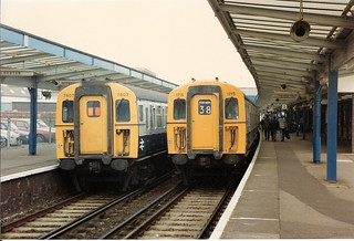 BR Class 423 4-VEP no. 7807 with Class 421/3 4-CIG no. 1715, Chichester, 23 September 1986