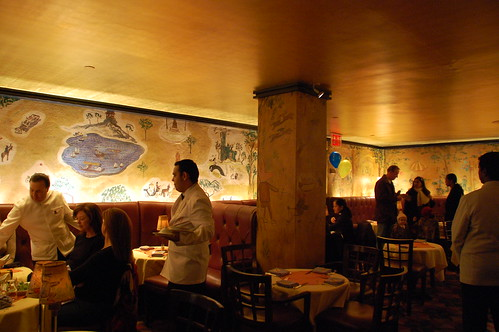 10 great literary bars in new york city lonely planet for Bemelmans bar mural