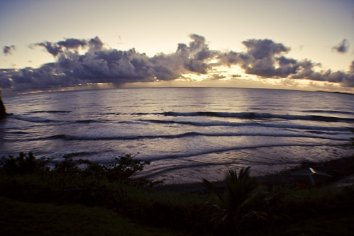 morning beach sunrise hawaii early surfing spot location calm pebble bigisland hilo viv predawn sarahlee honolii legothenego vivantvie