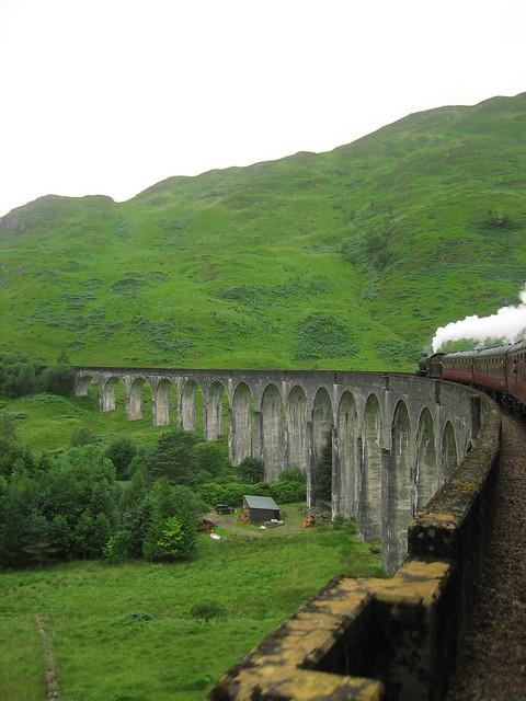 auf dem Glenfinnan Viadukt