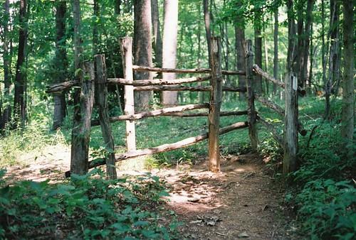 fence appalachiantrail trail:name=appalachiantrail trail:mile=309