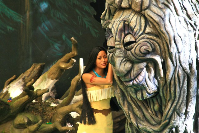 WDW Sept 2008 - Pocahontas and Her Forest Friends