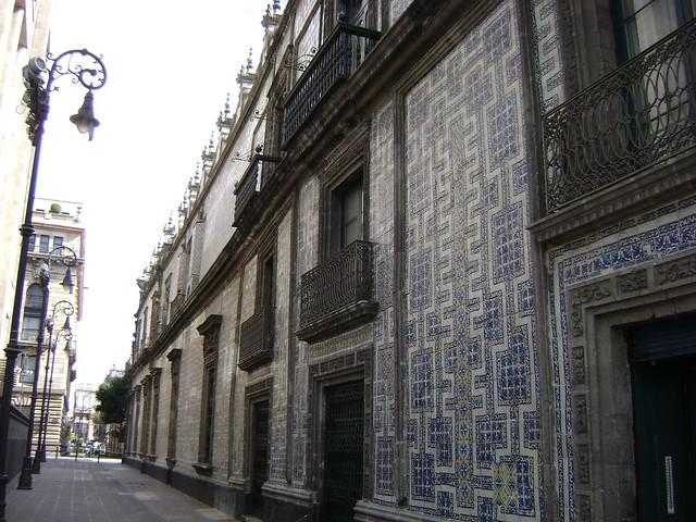 Ontradicciones de la mujer diseno de la casa los for Sanborns los azulejos direccion