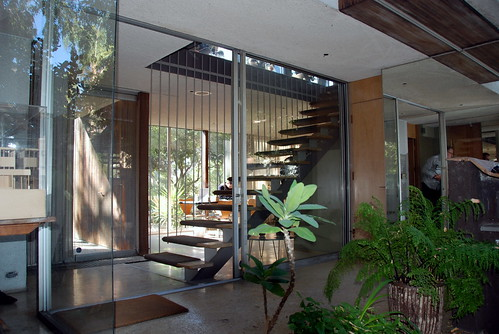 VDL Research House, Richard & Dion Neutra, Architects, 1932 & 1964 (Courtyard)