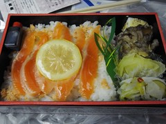california roll(0.0), meal(1.0), lunch(1.0), fish(1.0), ekiben(1.0), makunouchi(1.0), produce(1.0), food(1.0), dish(1.0), cuisine(1.0), bento(1.0),