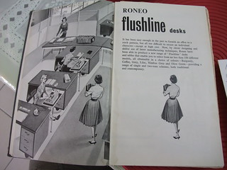 Roneo flushline desks