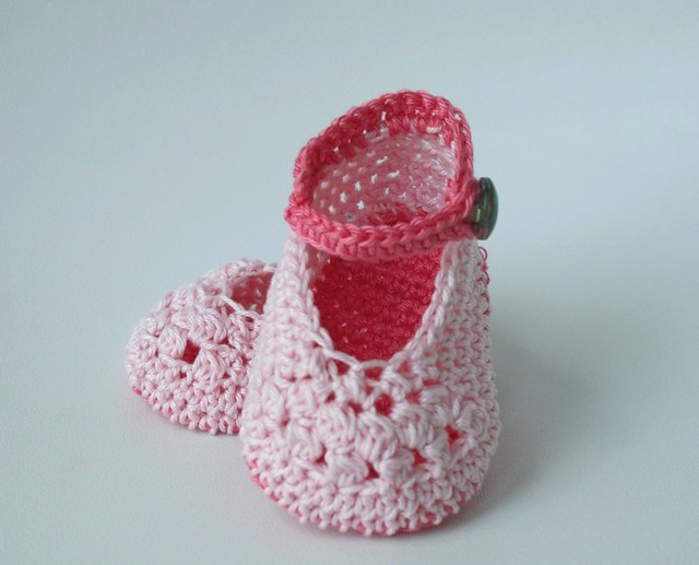Crochet pattern lace pink baby booties (56) 01 Flickr ...