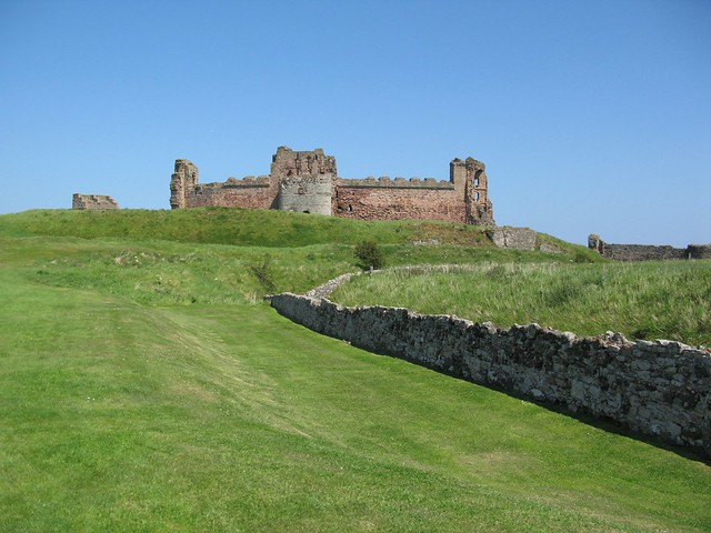 Tantallon Castle, East Lothian, Scotland | Emma Lamb