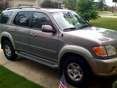 automobile, sport utility vehicle, wheel, vehicle, compact sport utility vehicle, toyota sequoia, bumper, land vehicle,