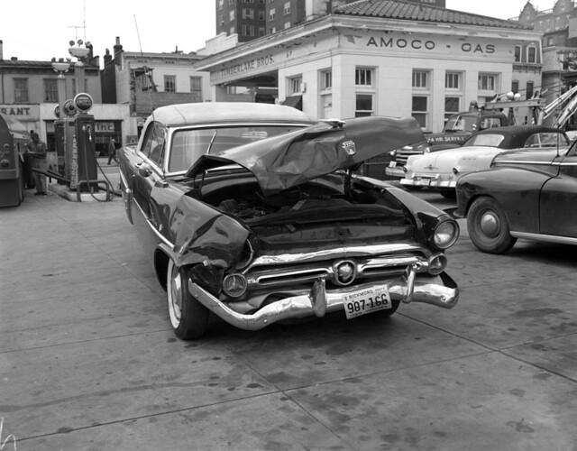 STREET VIEW : les voitures anciennes 2899341868_90c53fc56c_z