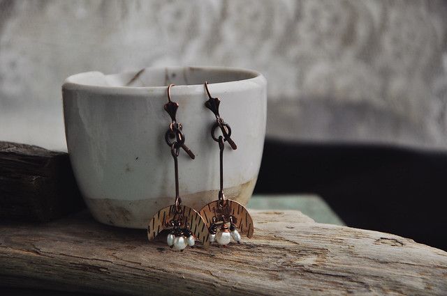 copper and pearls earrings