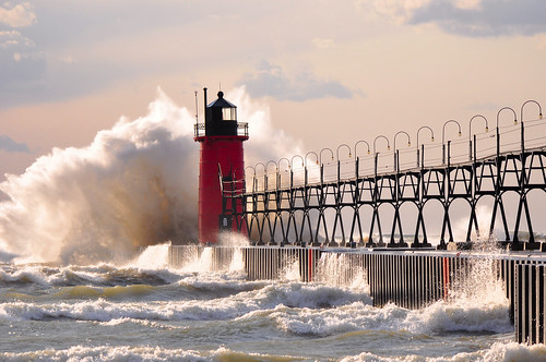 100 years of lake michigan at south haven pier lighthouse for Beach house designs south haven mi