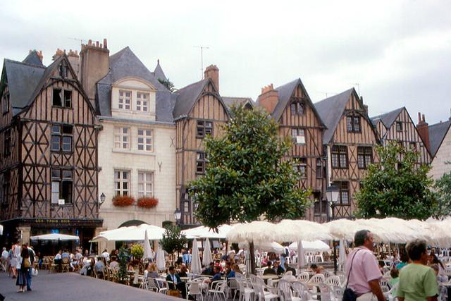 Tours - Place Plumereau