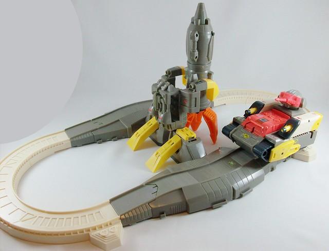 Transformers omega supreme g1 encore reissue modo alterno flickr