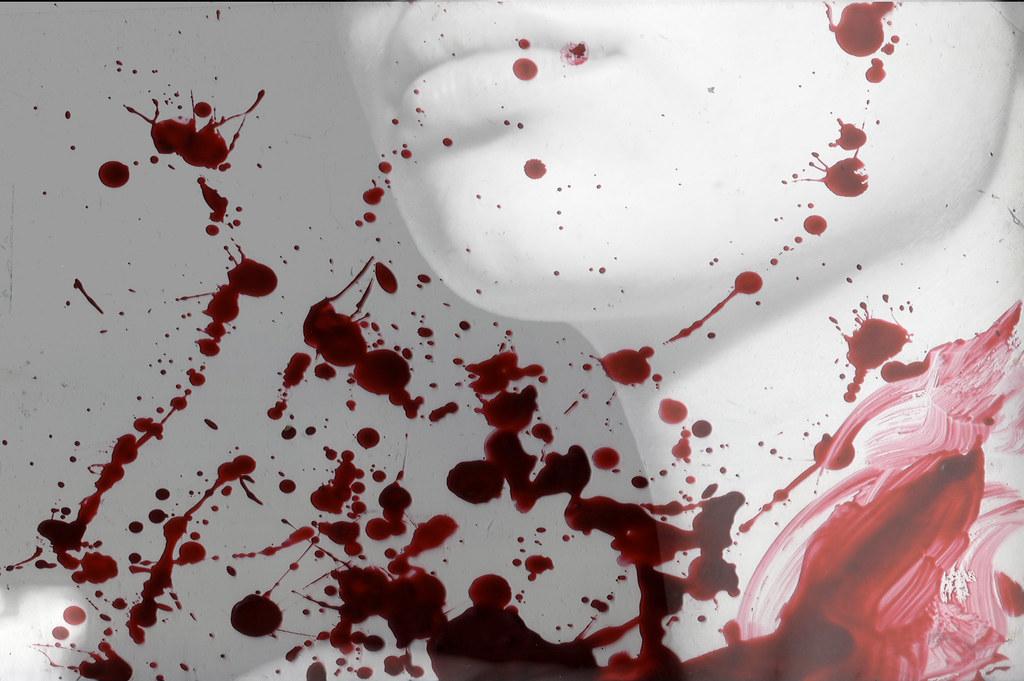 Accoltella a morte un bambino di 6 anni e ferisce l'amichetta di 7