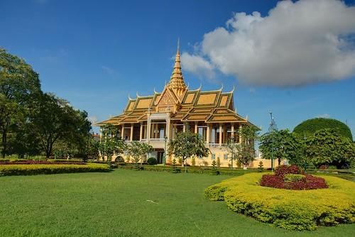 blue vacation panorama architecture silver landscape pagoda nikon cambodia khmer buddha royal buddhism palace temples phnom penh d80 gettyvacation2010