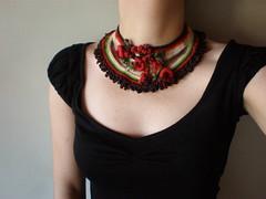 Rubus Idaeus ... Freeform Crochet Necklace