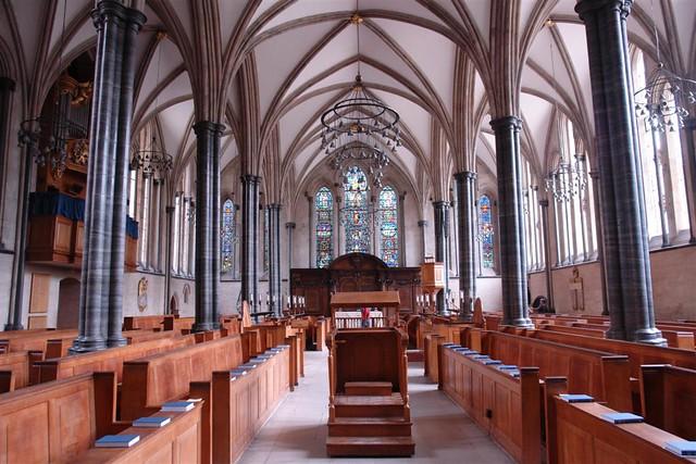 Interior de la Luminosa Iglesia del Temple que tiene muchísima luz incluso un día nublado La iglesia del Temple de Londres y sus historia de Templarios - 2963429405 7362b625f5 z - La iglesia del Temple de Londres y sus historia de Templarios