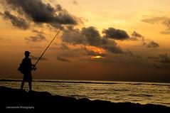 horizon, cloud, sunlight, sea, sun, ocean, evening, silhouette, wave, shore, morning, coast, fisherman, sky, dusk, sunset, sunrise, afterglow,