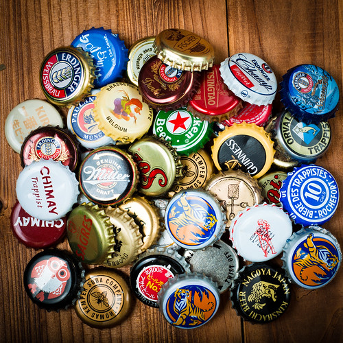 Free Texture: Beer Bottlecaps (Bunched)