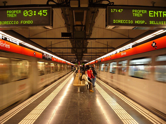 tube in barcelona