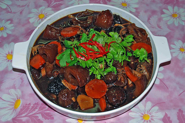 Stew Duck | Stewed duck with sea cucumbers and mushrooms. | By ...