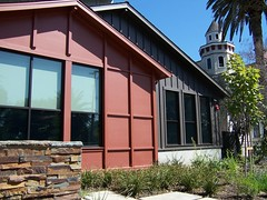 Willow Glen Library exterior.