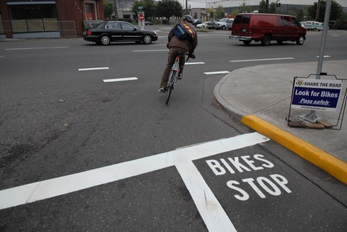 bike stop markings at broadway flint-1.jpg