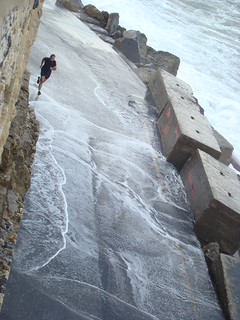 Image de Koules près de Dimos Heraklion. man wave running creta greece heraclion κρήτη ελλάδα koule ηράκλειο κύμα τρέξιμο κούλε άντρασ