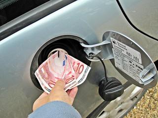 Dinero invertido en combustibles fósiles
