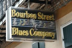 Los locales de Blues y Jazz están por toda la calle Bourbon Nueva Orleans, ¿French o ... Spanish Quarter? - 2528672454 0cebdc25a2 m - Nueva Orleans, ¿French o … Spanish Quarter?