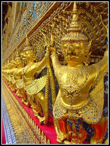 """"""" LOvE """" Great Garuda and Nagas in Wat Phra Kaew :-).. - 無料写真検索fotoq"""