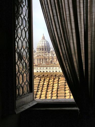 italy rome roma window italia vaticano finestra cupola dome dragondaggerphoto