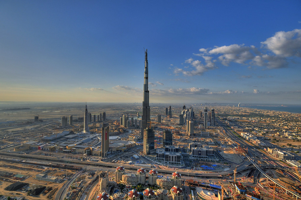 Burj Dubai - The World's Tallest Tower by daveandmairi