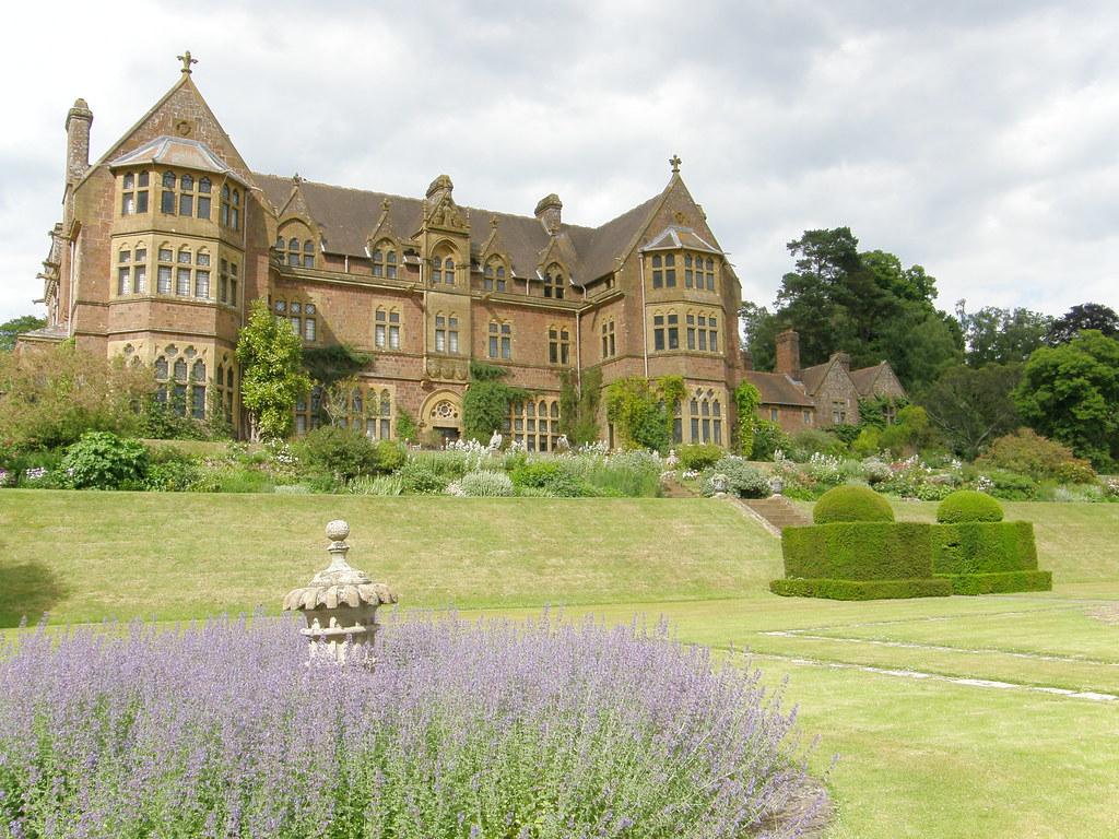 Knightshayes Court & gardens