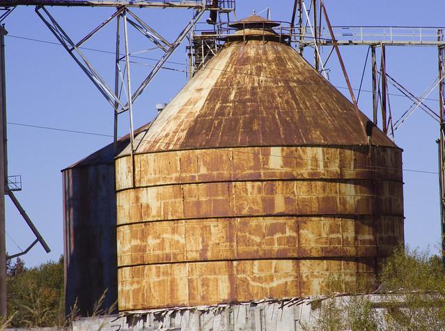 Use Old Grain Bins 15