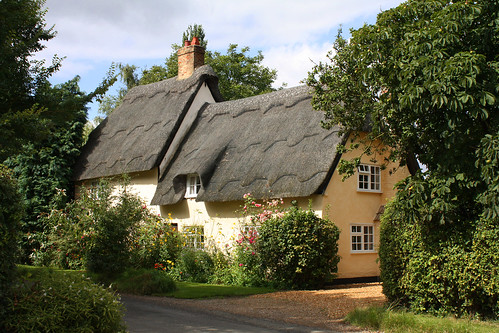 Thatched house, Wennington